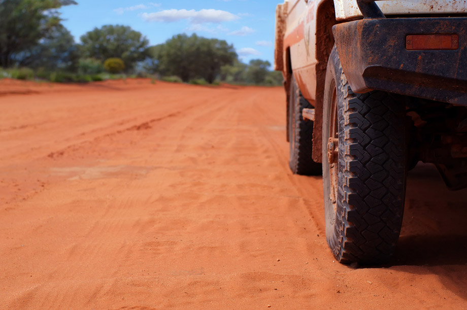 4WD on dusty track