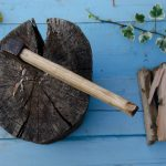 HOW TO THROW A TOMAHAWK OR THROWING AXE