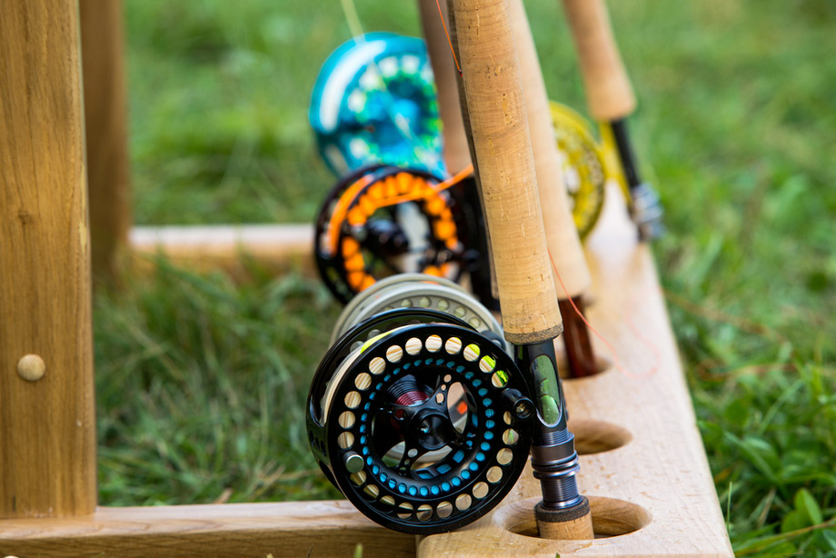 THE DIFFERENCE BETWEEN SALTWATER AND FRESHWATER FLY FISHING ROD FEATURE