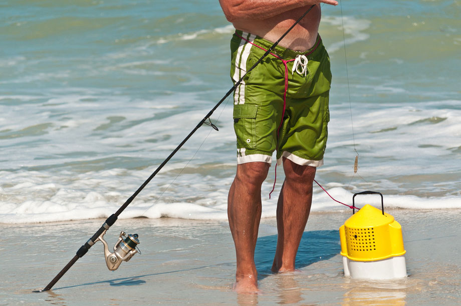 TYPES OF BEST BEACH FISHING BAIT FOR YOUR FISHING NEEDS FEATURE