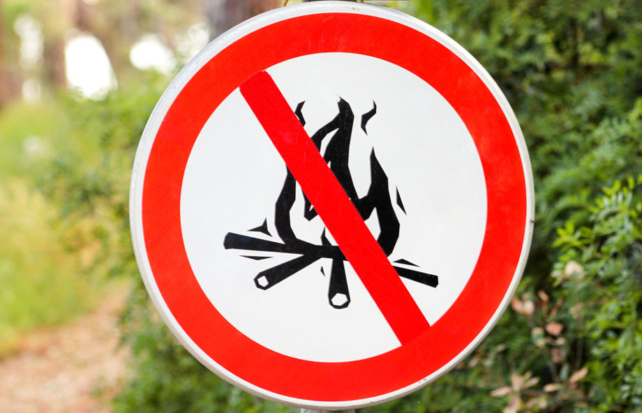 Campfire Not Allowed Sign